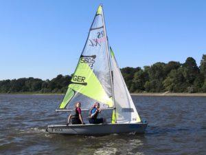 Unsere Seglerinnen beim Training auf der Weser